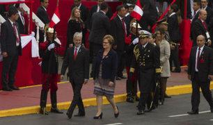 PPK participó de desfile militar acompañado de su familia