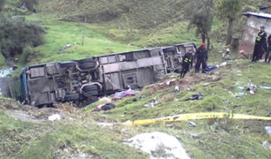 Moquegua: cinco personas mueren tras despiste de bus