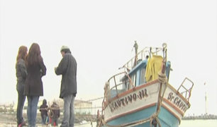 Pescador casi muere por fuerte oleaje
