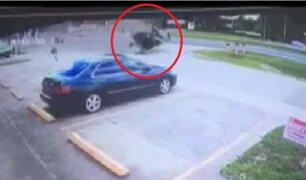 EEUU: conductor se salvó de morir tras despiste de vehículo