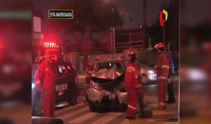 Miraflores: colombiano arma escándalo tras choque vehicular