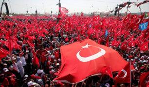 Turquía: multitud rechaza fallido golpe de estado