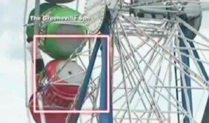 EEUU: tres personas caen de juego mecánico