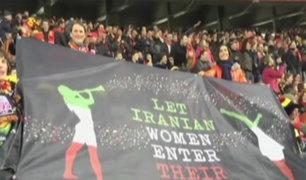 Brasil: joven iraní es ovacionada tras valiente protesta
