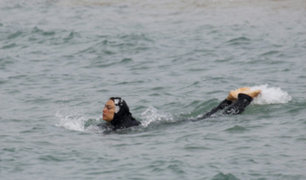 Francia: 10 mujeres detenidas por usar 'burkini'