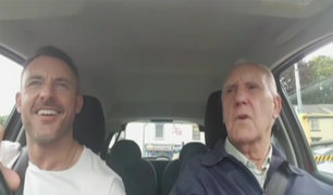 VIDEO: anciano que sufre de alzheimer recupera vitalidad cantando