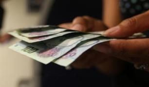 SJL: trabajadora del hogar roba 3 mil 600 dólares y 10 mil soles