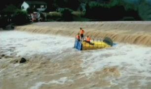 China: torrenciales lluvias provocan desborde de ríos