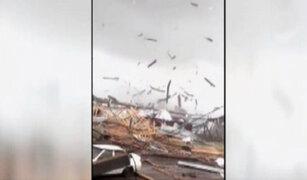 Tornado derrumba gigantesca grúa en Rusia
