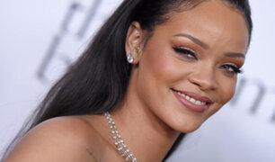 Rihanna deslumbra en premios MTV