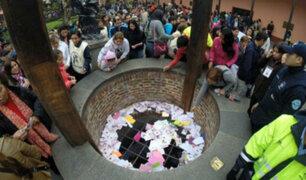 Santa Rosa de Lima: cientos de fieles dejan sus cartas en el pozo de los deseos