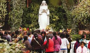 Fieles rinden homenaje a Santa Rosa de Lima