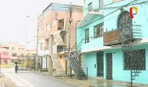 Callao: vecinos invaden veredas con escaleras