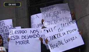 Hospital Loayza: pacientes con cáncer de mama protestan por falta de medicamento