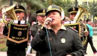 Banda de la PNP rinde homenaje a Juan Gabriel
