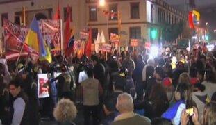 Venezolanos en Lima protestaron ante embajada