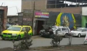 Talleres mecánicos invaden veredas en Villa el Salvador