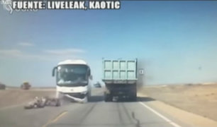 China: sujeto murió tras estrellarse contra un bus