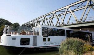 Alemania: dos muertos al chocar crucero contra puente