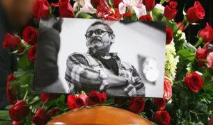 Ricky Tosso: Fue despedido entre aplausos en cementerio de Lurín