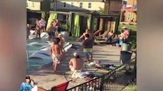 Turistas británicos se agarran a golpes y desatan batalla campal en hotel