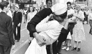 EE.UU.: Muere la enfermera del beso que simbolizó el fin de la II Guerra Mundial