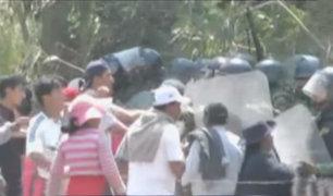 Cusco: manifestantes se enfrentan a policías en segundo día de paro