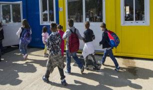 Niños vuelven al colegio tras terremoto en Italia