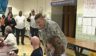 EEUU: militar regresa de la guerra y sorprende a hijos