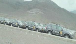 Alcaldes indignados por patrulleros abandonados en escuela de la PNP