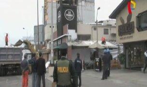 Surquillo: demolieron parte de conocido restaurante por ocupar vía pública