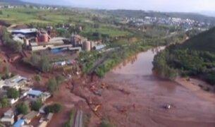 China: torrenciales lluvias provocan deslizamientos de tierra