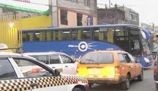 Terminales de buses interprovinciales generan caos en La Victoria