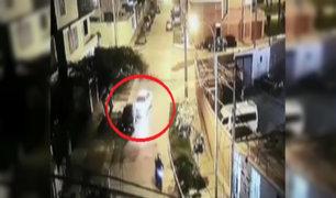 Patrullero choca con auto durante persecución en el Cercado de Lima