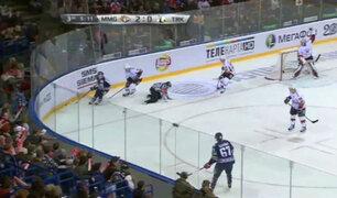 YouTube: Árbitro recibe brutal impacto de un disco en partido de hockey y muere [VIDEO]