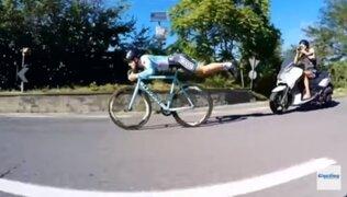 El ciclista que ganó competencia con asombroso truco al estilo de Superman