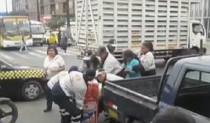 La Victoria: municipales intervienen violentamente a ambulante