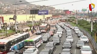 Cercado: ejecutan plan para agilizar tránsito en Vía Evitamiento