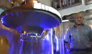 Ex técnico naval construye una réplica de lo que sería una nave alienígena en Chimbote