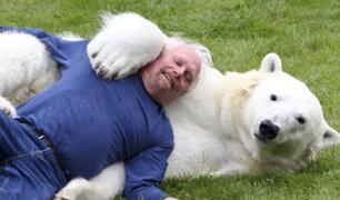 Cuando los humanos se llevan bien con animales salvajes