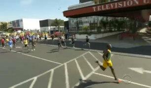 Mira la inusual carrera de Usain Bolt contra 50 competidores