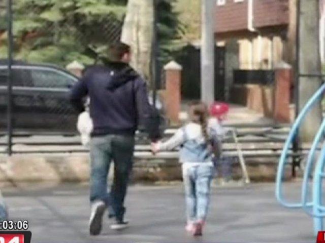 Atención padres: así de fácil es secuestrar a un niño usando un perro