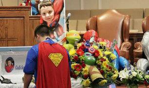 Entierran vestido de Batman a niño asesinado en EEUU