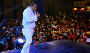 La música de 'Clavito y su Chela' conquista Argentina