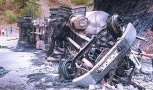 Conductor de cisterna muere calcinado en carretera a Jaén