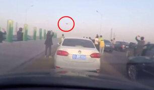 YouTube: ¿Avistamiento OVNI? Imágenes muestran caos en carretera de China [VIDEO]