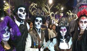 """Se realiza el desfile de """"Catrinas"""" en la Ciudad de México"""