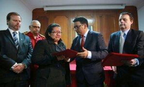 Familiares de bomberos fallecidos en el Agustino reciben indemnización