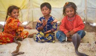 India: niños encantadores de serpientes