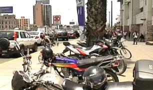 Informe 24: motocicletas invaden parques y veredas en Lima